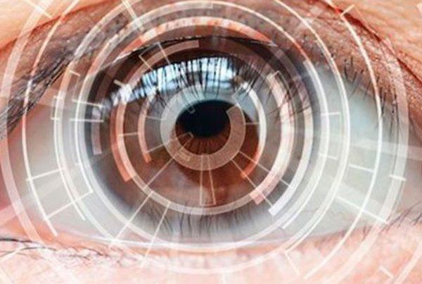 Imagen de un ojo artificial futurista
